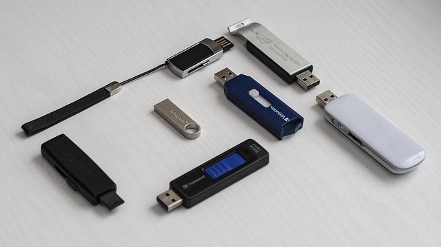USBメモリ内のフォルダー/ファイルを整理する方法