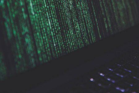 USBメモリを暗号化して保護して個人情報の流出を防ぐ